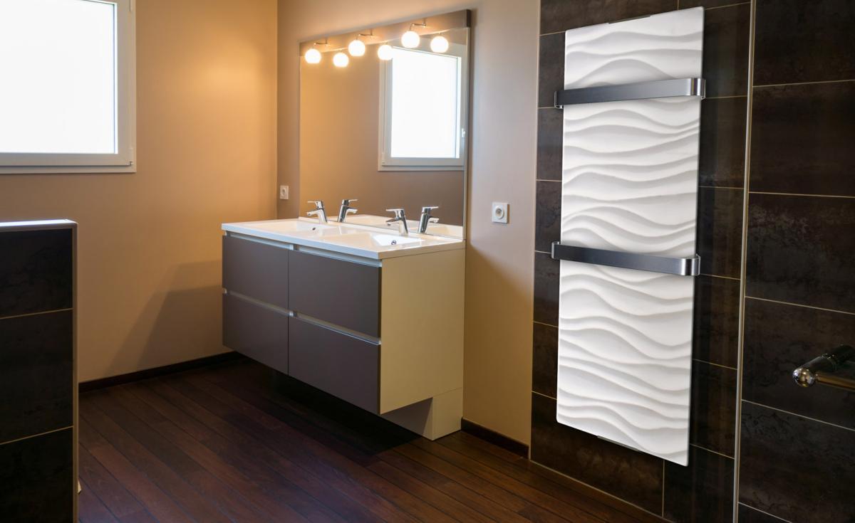 Radiador secatoallas de 1200 vatios con dise o ondulado for Radiador secatoallas